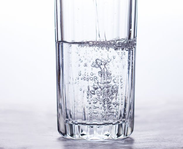 clear_drinking_glass_with_water-sc   5 Foods to Increase Stamina