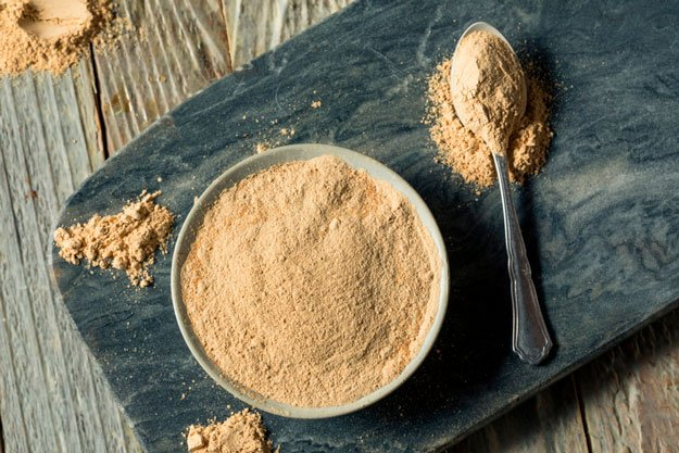 maca-powder-in-bowl-on-slate-title   5 Foods to Increase Stamina