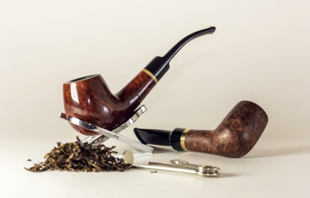 pipes-and-tobaco| What-Causes-Erectile | Tobacco-Usage