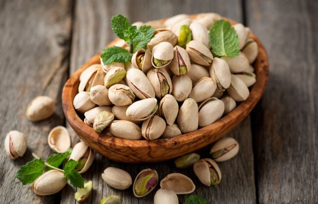 PISTACHIOS | Eat These Foods to Lower Blood Pressure