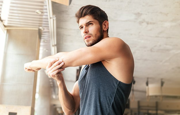 Fitness-man-warming-up-in-gym-ss-body   10 Important Biomarkers To Optimize Your Health