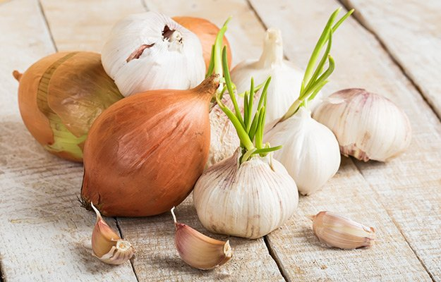 Onion and garlic   8 Testosterone Killing Foods and 5 That Help Boost It